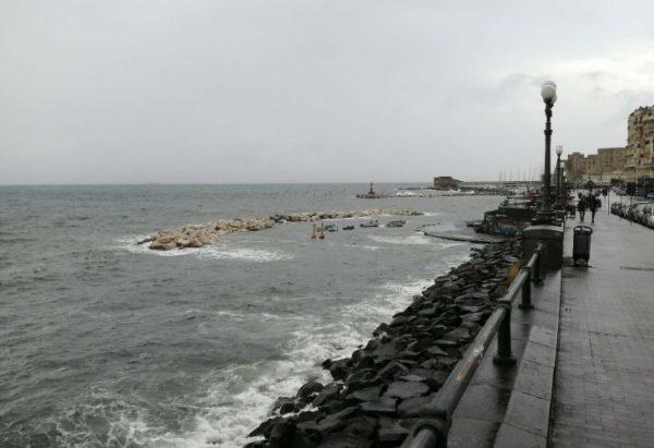 ナポリの悪天候