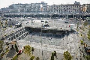 ナポリの新しいガリバルディ広場、階段