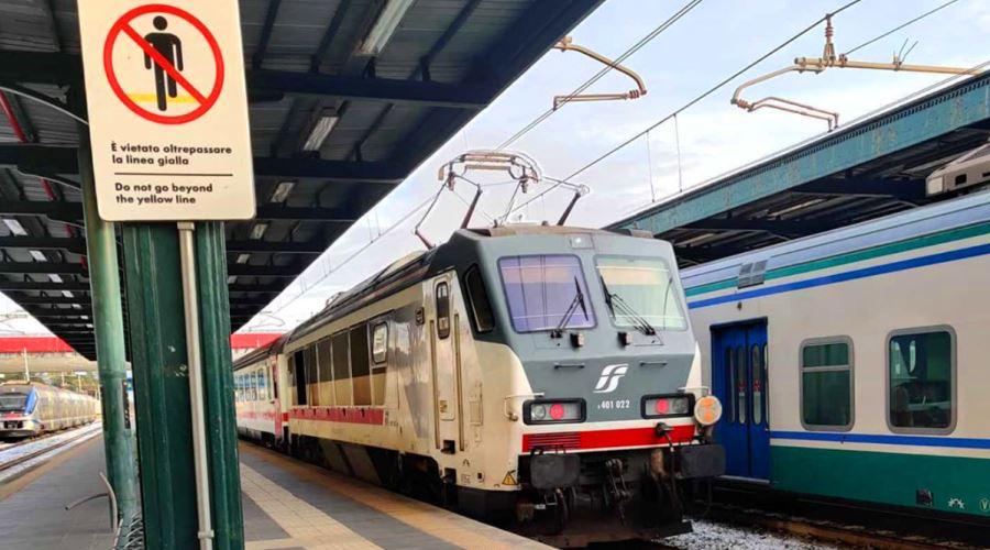都市間列車