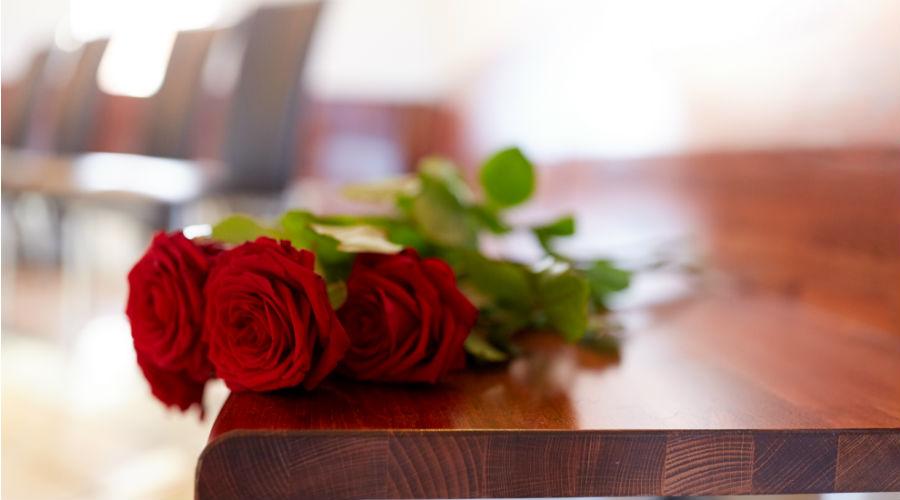 Rose a un funerale