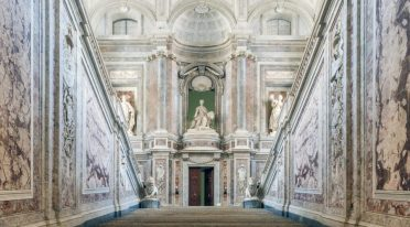 Лестница Королевского дворца Казерты