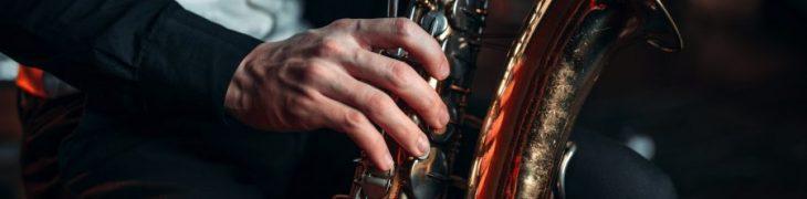 萨克斯管吹奏者