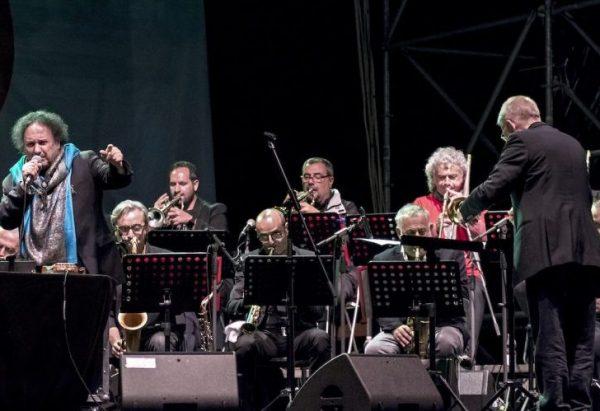 Enzo Avitabile en concierto