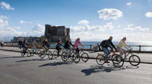 Passeggiata in bici a Napoli