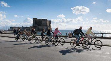 ركوب الدراجة في نابولي