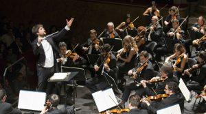 L'affiche de Il Teatro San Carlo à Naples recommence: un concert pour la saison 2020/2021