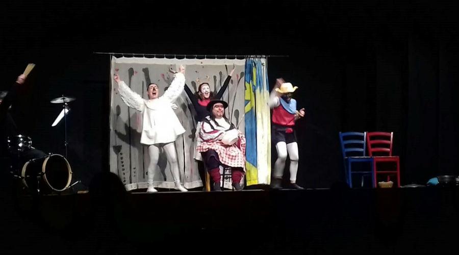плакат Il Teatro dei Piccoli в Театре Санназаро в Неаполе с детскими представлениями по утрам в воскресенье