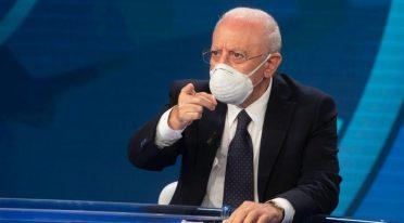 vincenzo de luca erklärt die nächtliche Ausgangssperre in Kampanien
