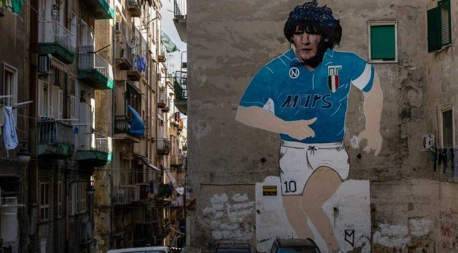 Wandbilder von Maradona im spanischen Viertel