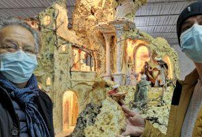 pizza nativity scene
