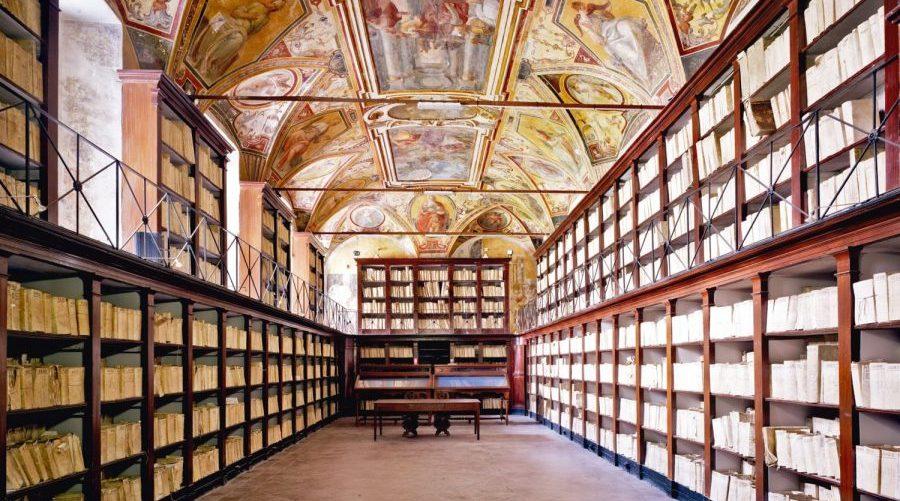 Неаполь исторический архив
