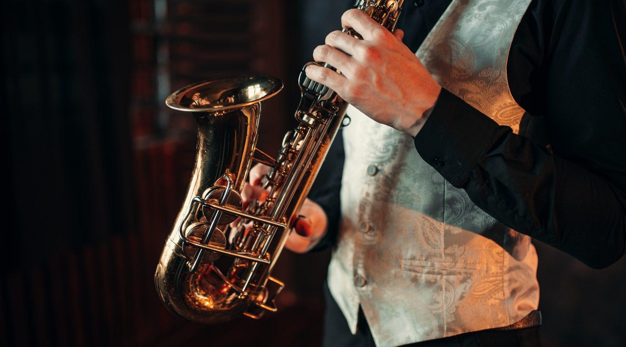 Póster de Pomigliano Jazz en Campania con el concierto en el cono del Vesubio