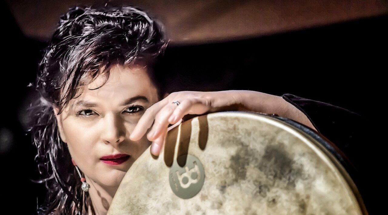 афиша международного фестиваля этнической музыки «Этнос» в Везувианских виллах