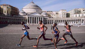 locandina di Maratona Spaccanapoli, la storica corsa nel bellissimo centro storico